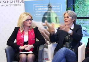 Mag. Monica Rintersbacher und LR Dr. Petra Bohuslav haben spannende Storys von mehr oder weniger  gelungenen digitalen Projekten zu erzählen