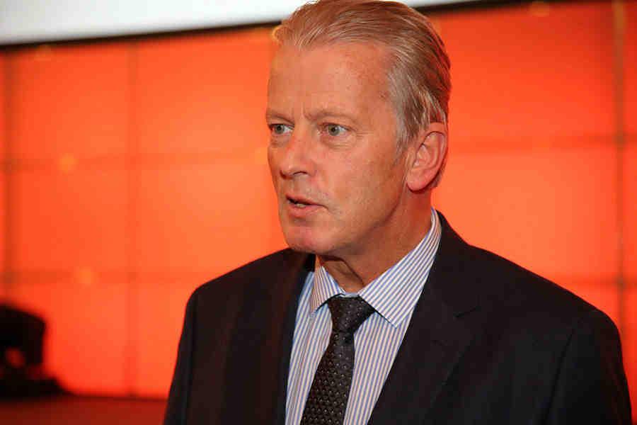 r. Reinhold Mitterlehner