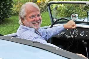 Wolfgang M. Buchta am Steuer eines der mobilen Glanzstücke des Automobilbaues | ©: Austro Classic