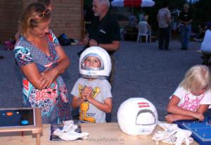 Ein ANTARES - Astronaut bei den Startvorbereitungen zu einer lustigen Nacht