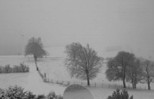 webcam michelbach, 640m Seehöhe, 25.11.2015 14:23   ©: ANTARES
