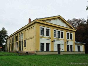 Verwaltungsgebäude der Benedek-kaserne in Bruckneudorf | © Robert Heilinger