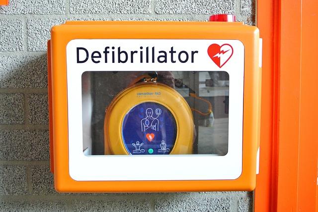 Streifen-KFZ der Wiener Polizei werden immer mehr mit Defibrillatoren ausgestattet