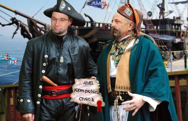 Die Steuermänner der AMS Österarm: Navigator John und Käptn Rudi der Rote