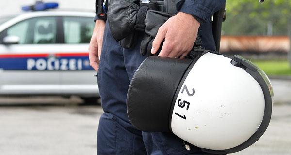 polizei helm apa