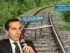 Der Hintergrund ist keine Montage sondern Tatsache nach Sanierung und Einstellung der Triestingtalbahn, so um 2010 zum Amtsantritt Christian Kern´s | Fotos: Peter Schweinsteiger (Bahn) / Franz Johann Morgenbesser (Kern https://creativecommons.org/licenses/by-sa/2.0/)