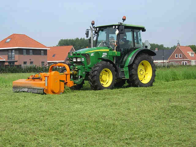 traktor 1466000930