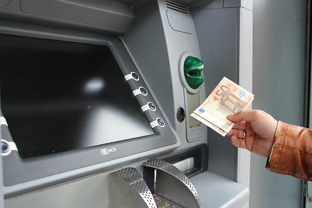 geld 1471076093