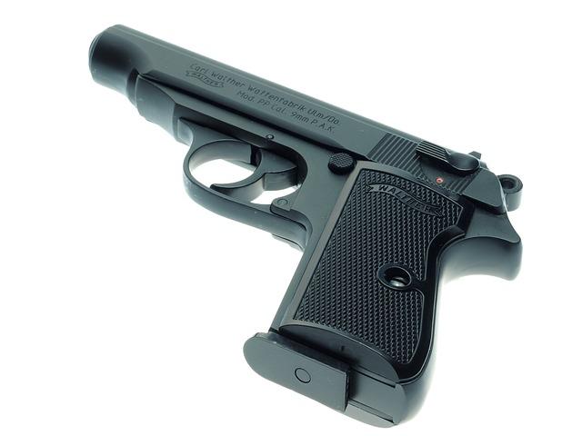pistole 1471772719