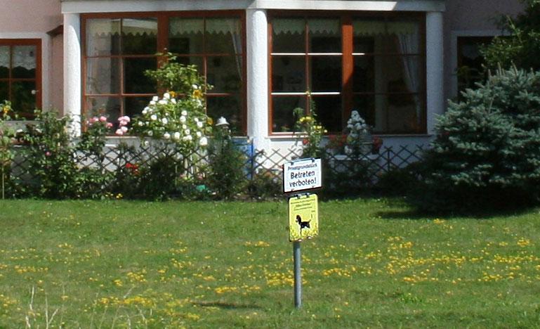 Privatgrundstück - Betreten verboten!