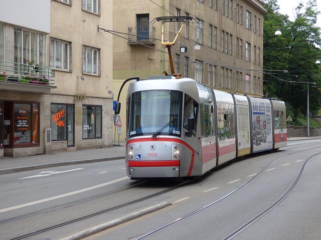 straßenbahn 1475059858