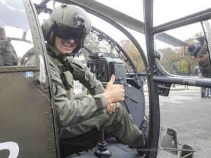 Ein Pilot in seinem Hubschrauber | Foto: Bundesheer/HARALD G.M.MINICH