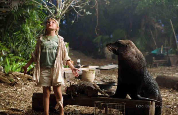 Die elfjährige Nim (Abigail Breslin) lebt mit ihrem Vater, dem Meeresbiologen Jack auf einer einsam entlegenen Pazifikinsel   Foto: ORF/Universal.