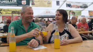 Günter beim Zeltfest - so gehts doch auch!   Foto: ORF