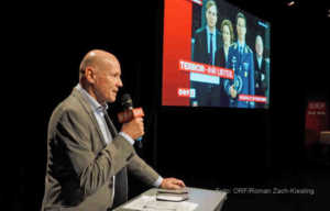 Peter Resetarits diskutiert in Am Schauplatz Gericht spezial mit Juristen und Experten über die Entscheidung des Publikums   Foto: ORF/Roman Zach-Kiesling