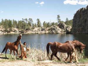 Diese Native Americans leben im Einklang mit der Natur - während die Europäer ihren Kontinent abholzen, verdrecken und leerfischen | Foto: ORF/ZDF Enterprise/Jörg Adams