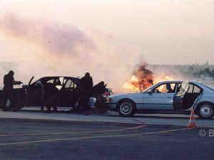 Einsatzkommando COBRA beim Anhalten eines Fahrzeugs
