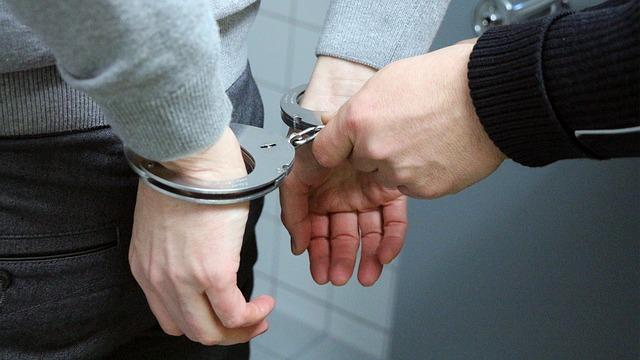 verhaftung 1490439108
