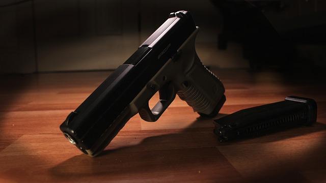 pistole 1499421140