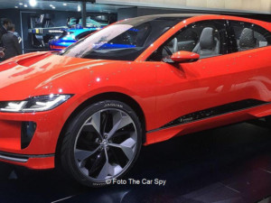 Jaguar I-PACE am Genfer Autosalon | © Foto von The Car Spy