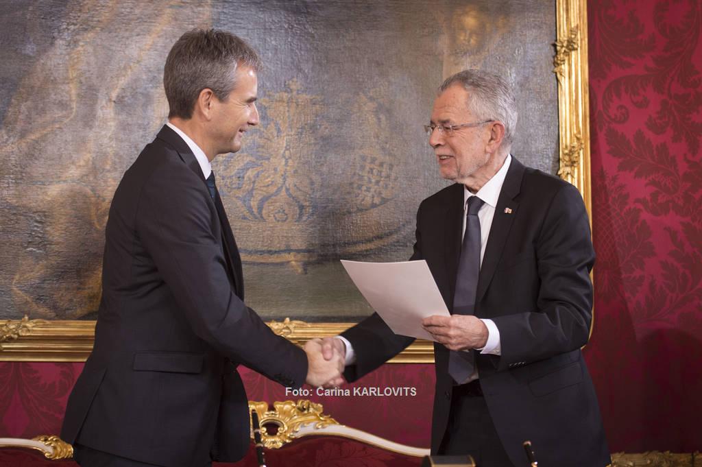 Unser neuer Finanzminister heißt Hartmut Löger | Foto: Carina KARLOVITS / © u. zvg. 2017 Österreichische Präsidentschaftskanzlei