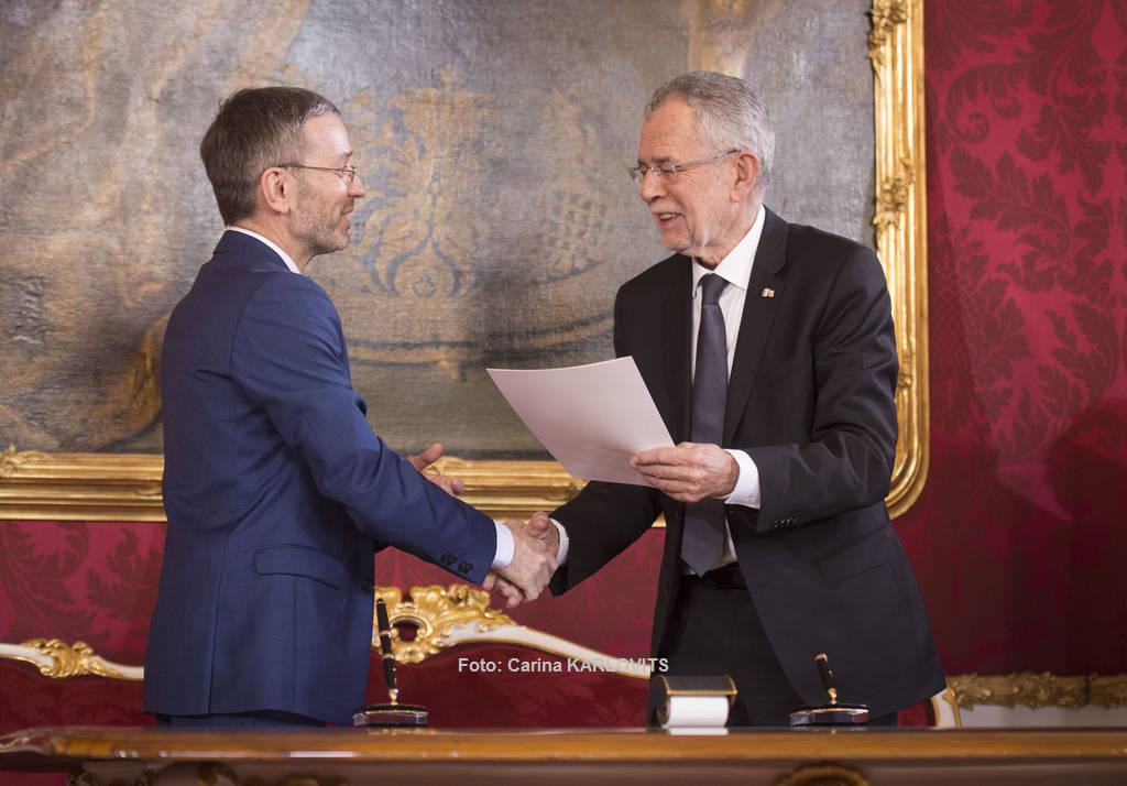 Der neue Bundesminister für Inneres: Herbert Kickl | Foto: Carina KARLOVITS / © u. zvg. 2017 Österreichische Präsidentschaftskanzlei