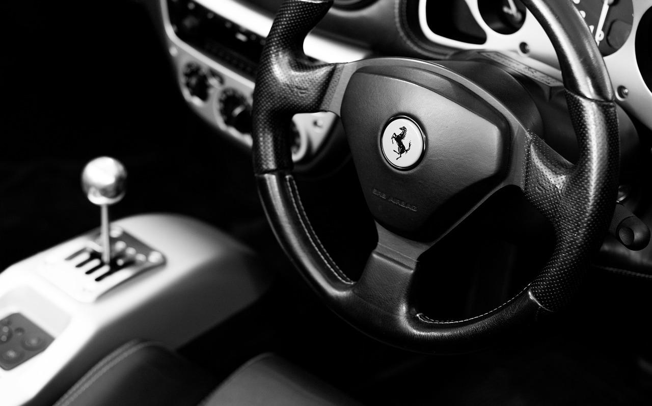 Ferrari 1513342311
