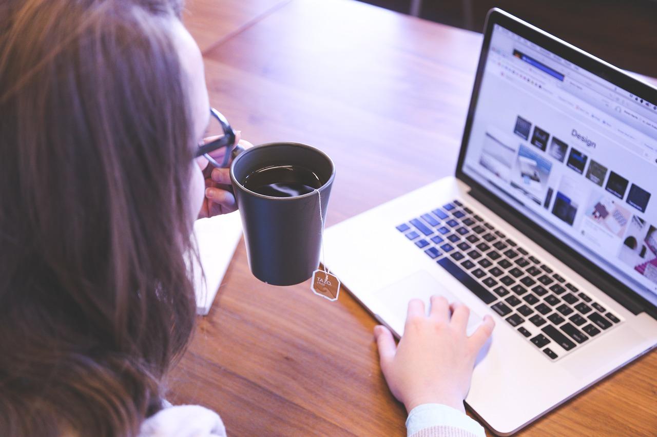 Der richtige Web-Baukasten zeigt die selbstgebastelte Site schneller an als ein Tee zieht ...