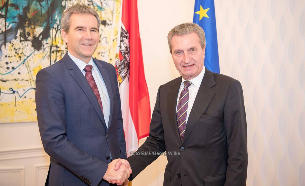 Finanzminister Hartwig Löger (li.) und EU-Kommissar Günther Oettinger | © Foto BMF/Georg Wilke