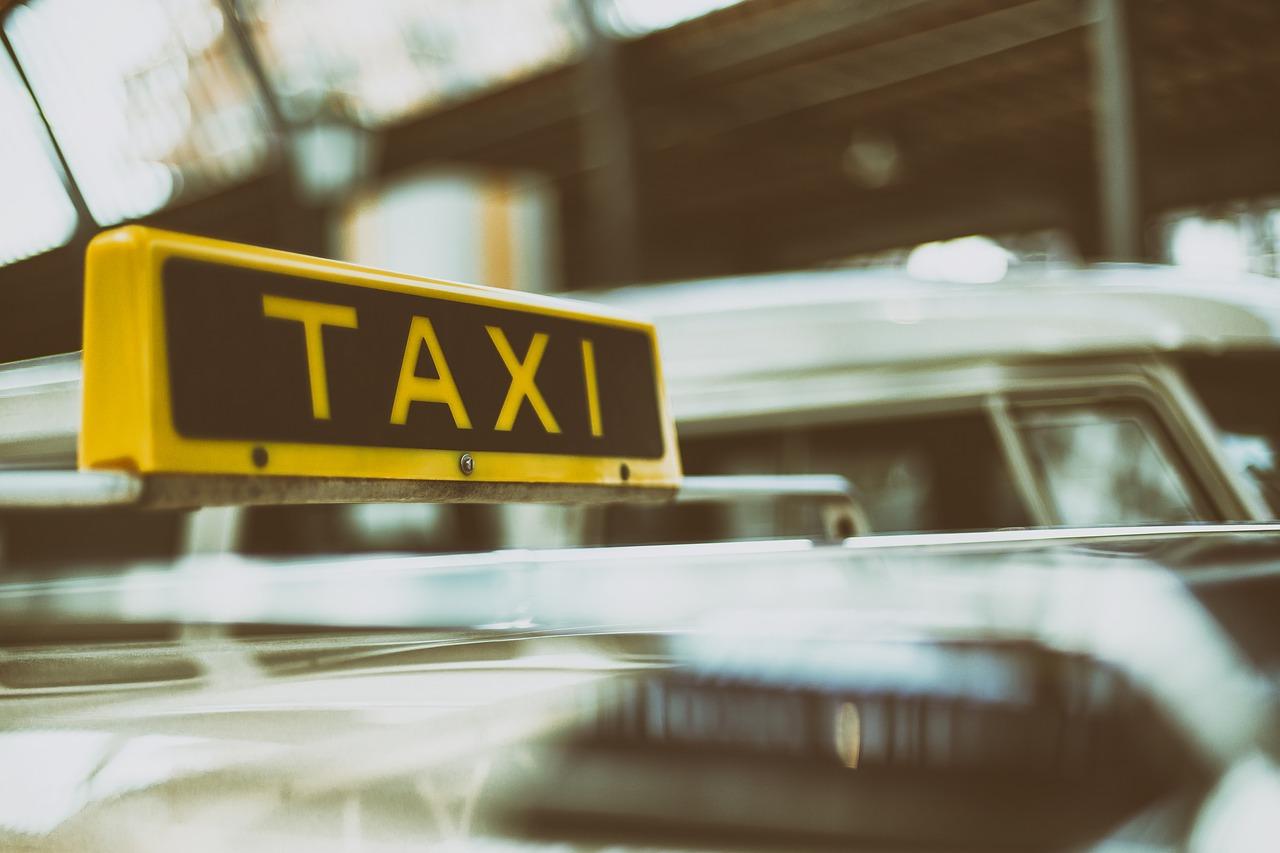 43089, Taxi, Pexels / Pixabay, Bild | Edit