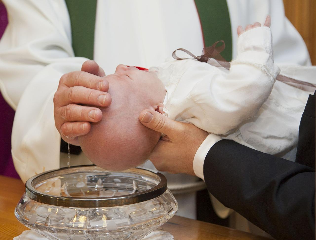 priester 1525942345