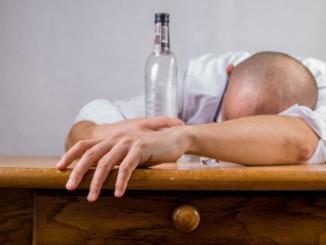 Alkohol 1528276293
