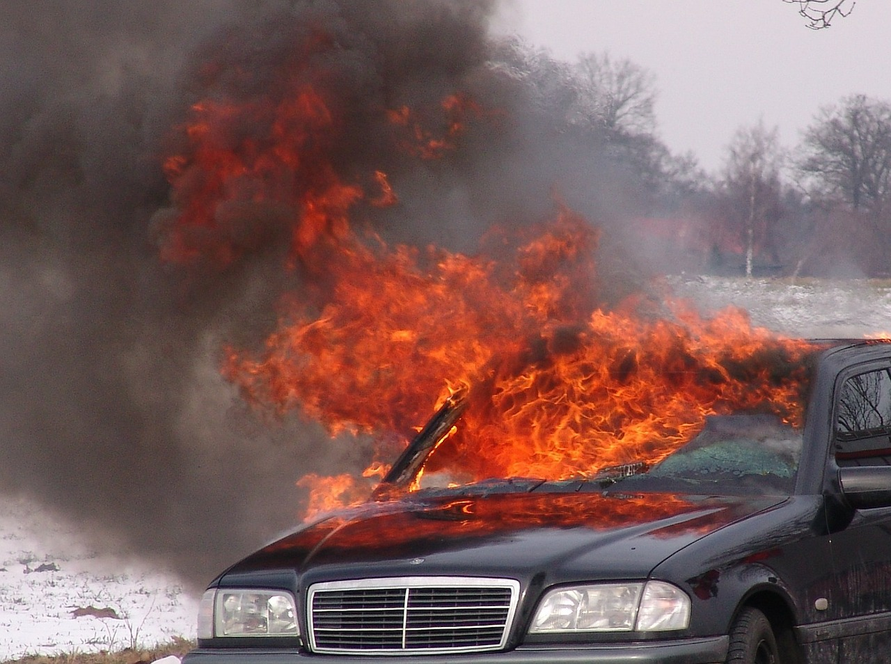 Fahrzeugbrand 1552817026
